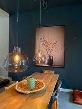 Klantfoto: Blauwe vaas met besjes (gezien bij vtwonen) van Karin Bazuin, als print op doek
