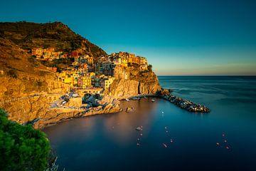 Cinque Terre bij zonsondergang van Damien Franscoise