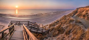 Rode klif in Kampen bij zonsondergang, Sylt van Christian Müringer