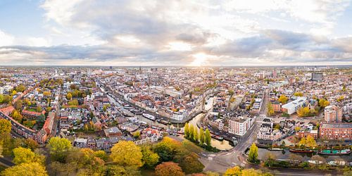 Zonsopkomst boven Groningen-Stad (panorama)