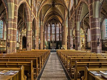 Interieur van een rooms katholieke kerk van