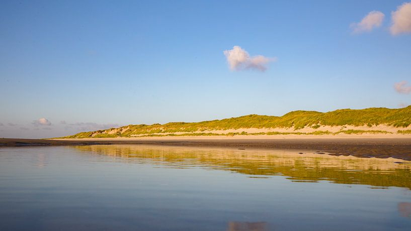 Miroir de plage dune row Vlieland II sur Gerard Koster Joenje (Vlieland, Amsterdam & Lelystad in beeld)