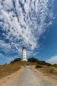 Schäfchenwolken über dem Leuchtturm auf der Insel Hiddensee