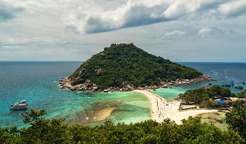 Koh Nang Yuan viewpoint van