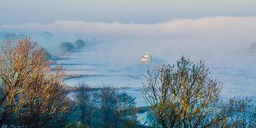 in den Nebel  van Georg Tausche