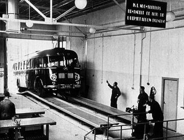Garage d'autobus des années 50 sur Jaap Ros