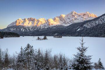 Winter am Eibsee von Michael Valjak