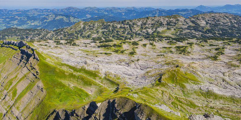 Karst landscape, Kleinwalsertal van Walter G. Allgöwer