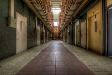 Bloc cellulaire dans une prison abandonnée sur