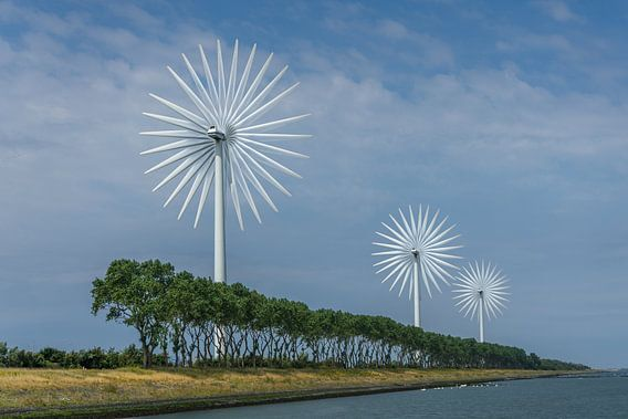 Moderne windmolens van Leo Luijten
