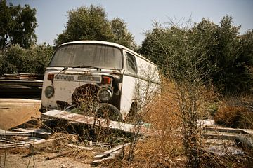 Roestende VW bus von Victor van Dijk