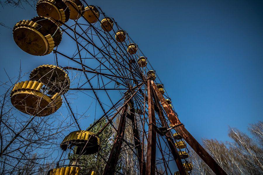 Faded ferris wheel