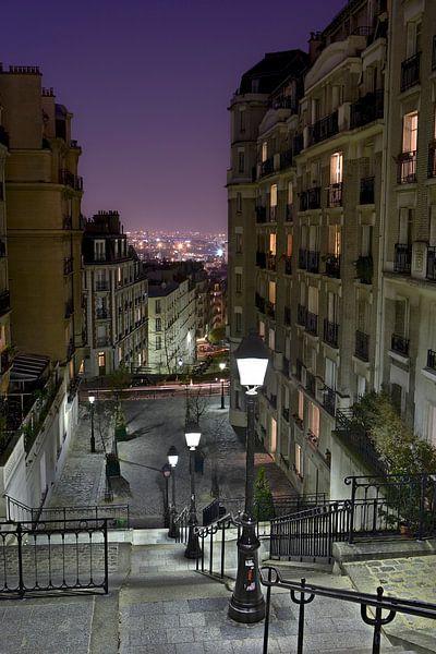 Sfeervolle avond in Parijs op Montmartre / Charming evening in Montmartre, Paris van Nico Geerlings