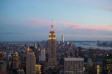 Empire State Building bij zonsondergang van Fardo Dopstra