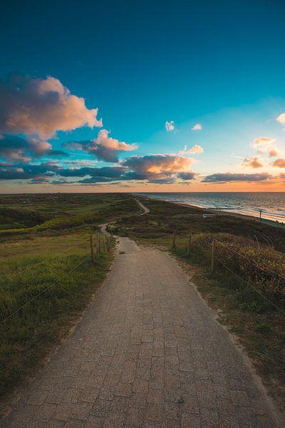 Domburg zonsondergang van Andy Troy