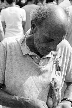 Mann auf dem Markt von Merel Taalman