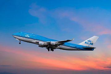 KLM Boeing 747-400, PH-BFB, City of Bangkok van