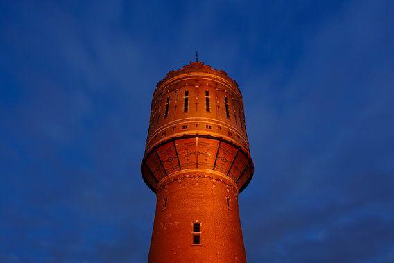 De watertoren Heuveloord in Utrecht (2) van Donker Utrecht