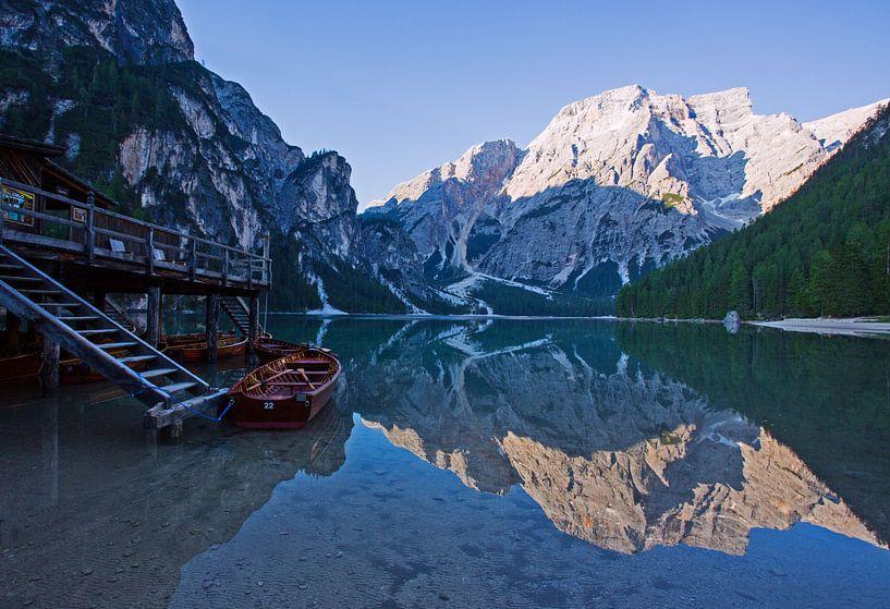 Morgenstimmung am Pragser Wildsee von Rudolf Brandstätter