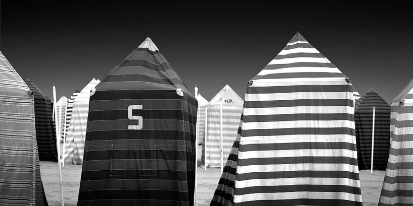 Strand-Zelte (schwarz-weiß) von Rob Blok