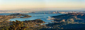 Panoramisch uitzicht op San Francisco en de Bay Area van Dieter Walther