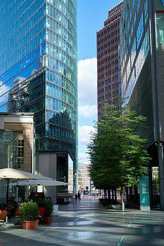 Blick auf die Hochhäuser vom Potsdamer Platz in Berlin vom Sony-Center von Heiko Kueverling