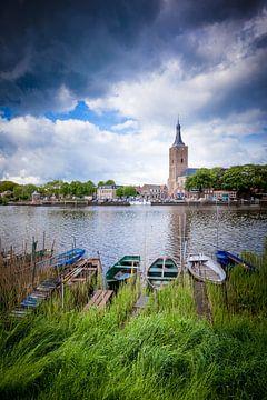 De kade van Hasselt (Overijssel) van Karel Pops