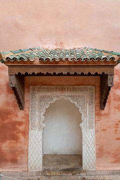 Marrakesh pink walls van Stephanie Franken