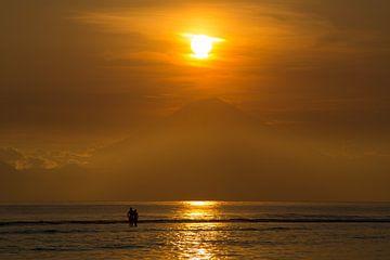 Zonsondergang Bali agung vulkaan van