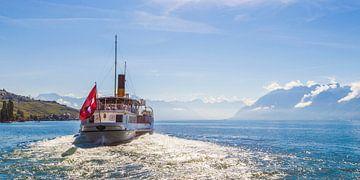 Schaufelraddampfer auf dem Genfersee in der Schweiz von Werner Dieterich