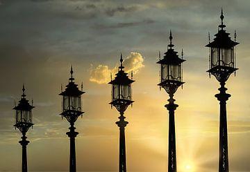 Sonnenaufgang in der Stadt von Klaartje Majoor