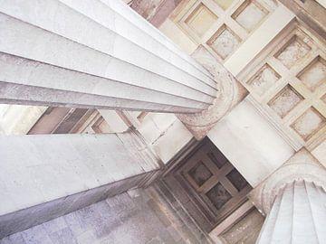 Optique des colonnes sur Heidemarie Andrea Sattler