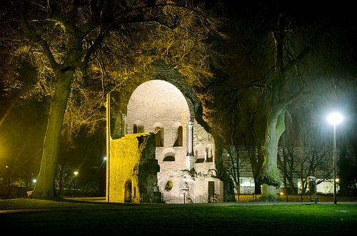 Barbarossa-ruïne in Nijmegen van Fotografie Arthur van Leeuwen