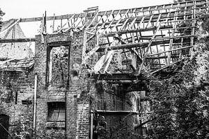 Ruine eines verbrannten Hauses.