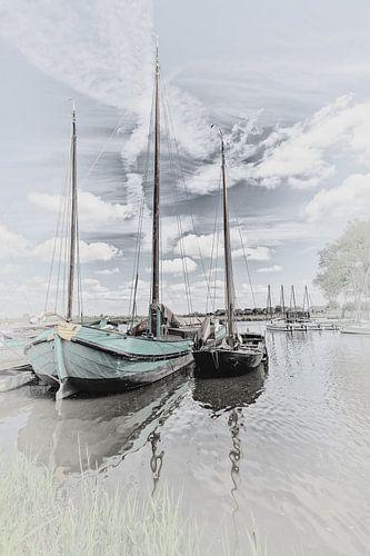 """Zeilschip van het type """"Skutje"""" & een Friese praam"""