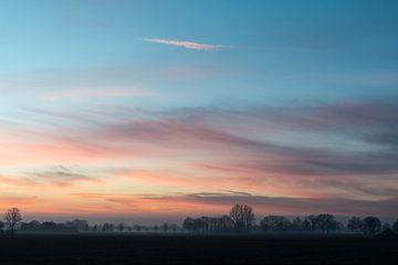 Mistige ochtend van Robert de Jong