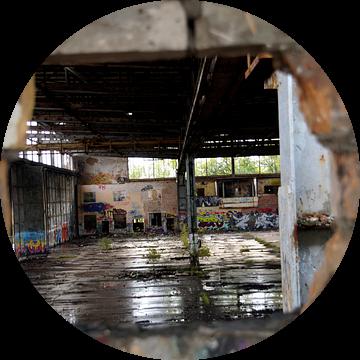 Verloren plaatsen oude industriële hal/hangar van Eisenpictures