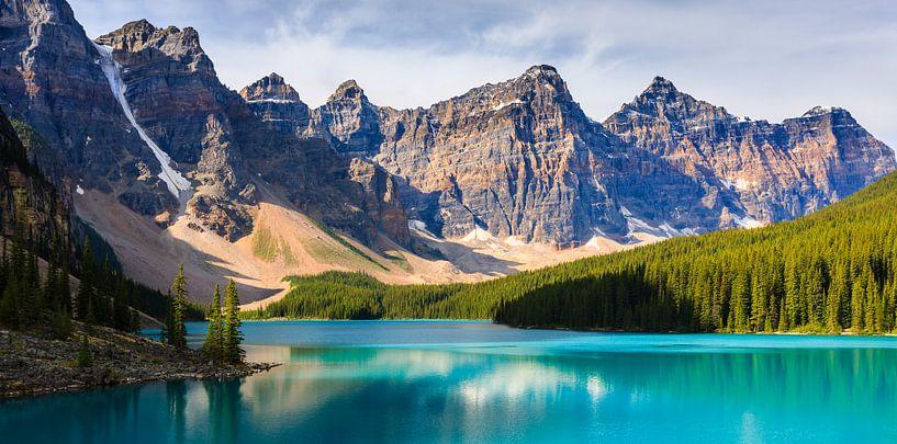 Moraine Lake in Banff National Park von Henk Meijer Photography