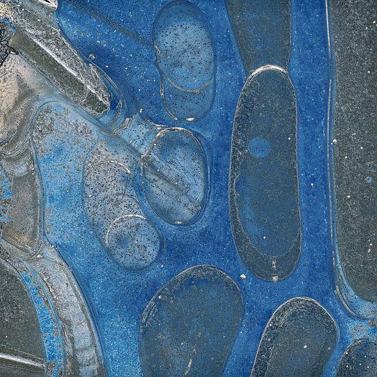 Blue ice van Martine Affre Eisenlohr