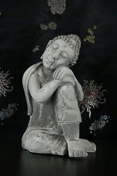 Boeddha in zittende houding van Cora Unk