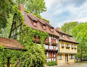De Studentenburcht (bursa pauperum) ligt in het oude centrum van Erfurt, Duitsland. van Gunter Kirsch