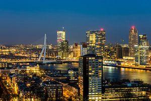 Panorama Rotterdam nachtopname Nieuwe Maas van