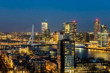 Panorama Rotterdam nachtopname Nieuwe Maas van Daan Kloeg
