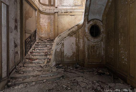 Platgelopen trappenhuis van Perry Wiertz