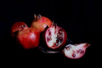 stilleven met granaatappel van Ard Edsjin