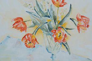 Zwierige tulpen in vaas van Monique Londema