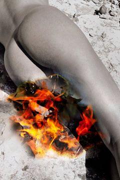 Woman on fire von Tom River Art