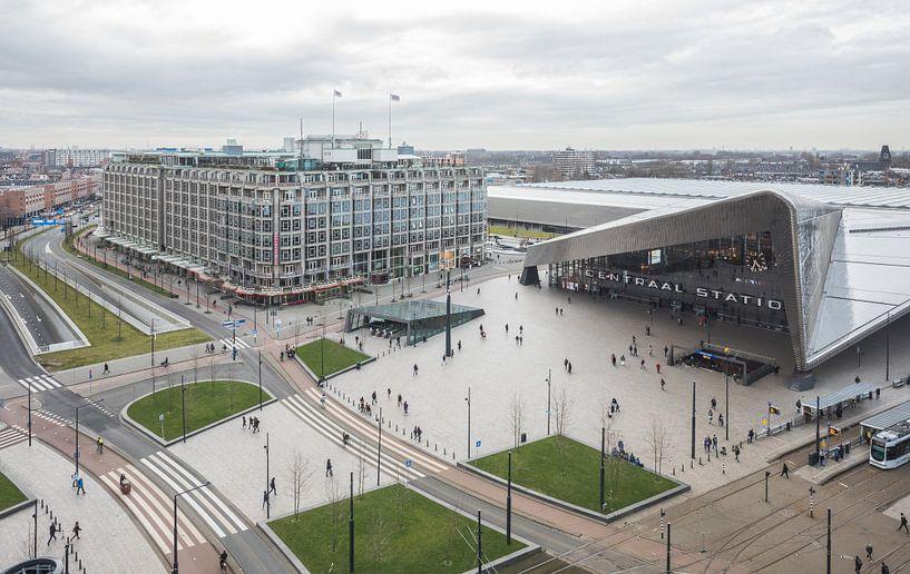 Het uitzicht op het Centraal Station in Rotterdam van MS Fotografie | Marc van der Stelt
