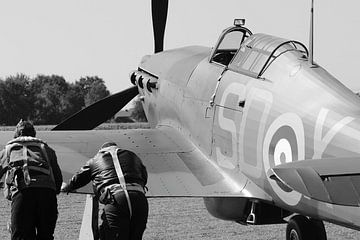 Zwei Piloten und Hurrikan-Flugzeug von Bobsphotography