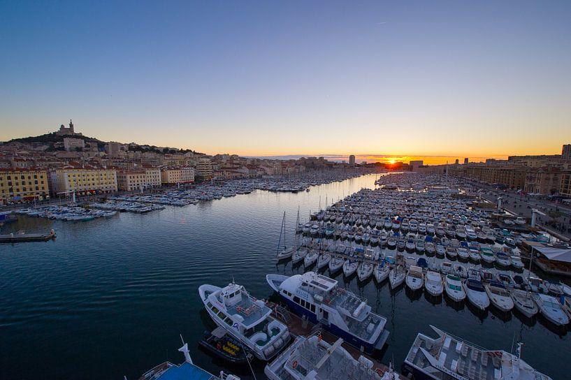 Vieux port sunset van Vincent Xeridat